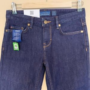 NWT Patagonia Straight cut jeans size 25